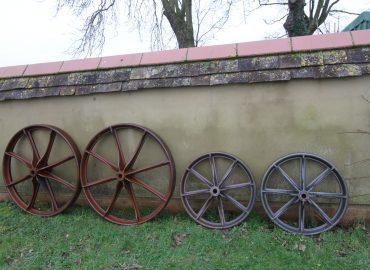 The Wheels Maketh The Hut!